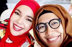 Tutorial Segi Empat Untuk Wajah Tirus Ragam Muslim