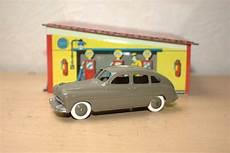 Le Des Voitures Et Camions Miniatures Anciens
