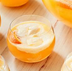 35 best vodka cocktail recipes easy mixed drinks with vodka
