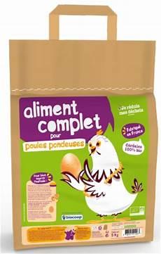Biocoop Lance De La Nourriture Bio Pour Nourrir Ses Poules