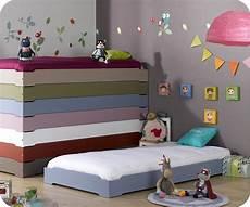 lit enfant empilable bleu en bois massif ma chambre d