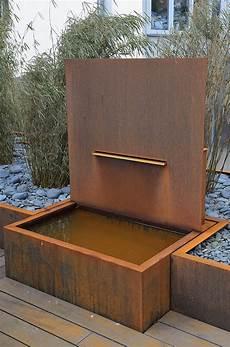 Brunnenanlage Aus Corten Stahl F 252 R Einen Privatgarten