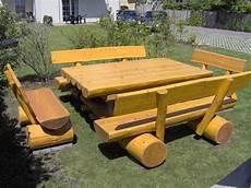 Gartenmöbel Set Holz - gartenm 246 bel set mit gartentisch und 4 gartenb 228 nken aus holz