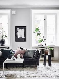 Black Leather Living Room Decorating Ideas