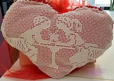 cuscino cuore uncinetto cuscino cuore uncinetto per la casa e per te decorare