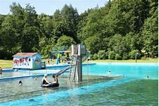schwimmbad 50 meter bahnen schwimmen ferienhaus lichtung