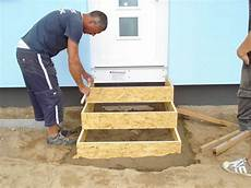 Blockstufen Beton Setzen - frau himmelblau treppe die erste