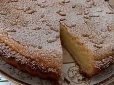 crema pasticcera ricetta della nonna torta della nonna senza glutine ricetta semplice con crema pasticcera e pinoli caff 232 book