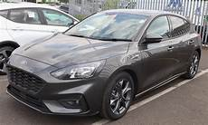 file 2018 ford focus st line front jpg wikimedia commons
