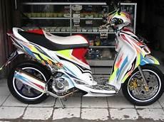 Modif Warna Motor Spin by Modifikasi Jok Motor Dijual Suzuki Spin Modif Poser