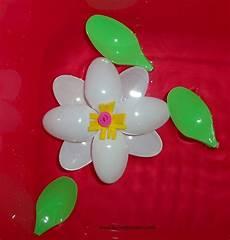 fiori con bicchieri di plastica fiori con materiale di riciclo wx42 pineglen