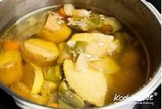 hühnersuppe im schnellkochtopf h 252 hnersuppe im schnellkochtopf kochtrotz kreative rezepte