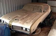 hurst oldsmobile barn find classic cars olds rod murica muscle pinterest barn