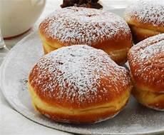 bomboloni alla crema bimby bomboloni bimby la ricetta per preparare i bomboloni con bimby bomboloni
