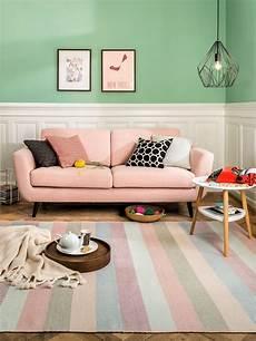 teppich sofa anordnung micasa wohnzimmer mit 2 5er sofa seidel hellrosa und teppich dorothea micasa wohnen
