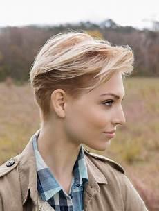 modèles de coiffures courtes 36404 coupe carre court degrade femme 50 ans coupe cheveux degrade