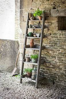 Do It Yourself Ideas For The Flower Stairs In The Garden