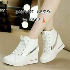 jual sendal sepatu kets putih sneakers wedges inisde boots putih replika sepatu murah
