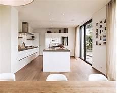 cuisine moderne blanche et bois cuisine blanc et bois cuisine blanche cuisines modernes