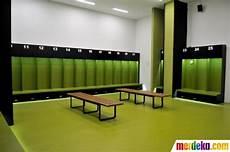 Foto Menelusuri Mewahnya Fasilitas Ruang Ganti Di Stadion Gbk