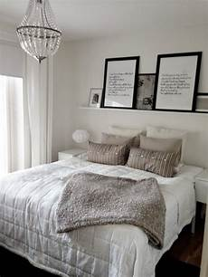 Bedroom Ideas No Headboard by The 25 Best Shelf Above Bed Ideas On Above