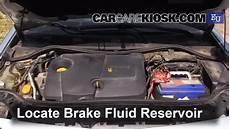 reservoir megane 4 2002 2008 renault megane brake fluid level check 2003
