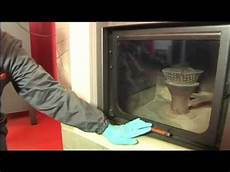 pulire camino termocamino pulizia vetro ceramico