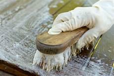 comment nettoyer une table en bois brut eau bois et