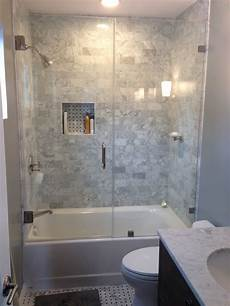 Low Cost Bathroom Shower Ideas by Best 25 Tub Glass Door Ideas On Shower Tub