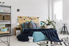 gemütliches schlafzimmer einrichten 10 things in your bedroom you can reuse or recycle