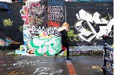 Gambar Jalan Coretan Seni Jalanan Lukisan Dinding