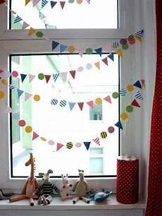 basteln fasching fenster kinderzimmerdeko fenster karneval bunt room playroom bunting