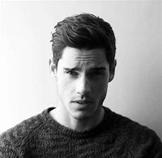 50 men s wavy hairstyles add some life to your hair