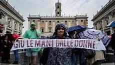 casa delle donne torino roma la protesta in cidoglio quot non chiudete la casa