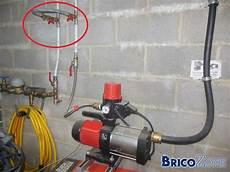 Placer Un Filtre 224 La Pompe De La Citerne D Eau De Pluie