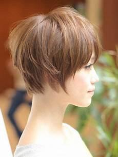 short wispy neckline haircuts graduated short bob wispy edges uhhhh short hair styles pinterest
