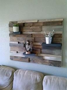 Fixer Deko - fixer palette en bois sur le mur meuble