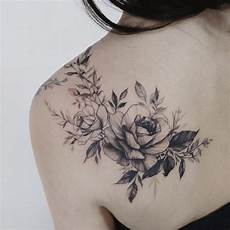 5 267 Likes 26 Kommentare T 228 Towierte Blumen Tattooist