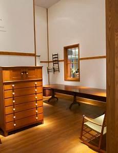 mobili shaker european fair showcases shaker furniture the