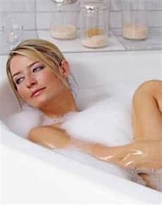 entspannen in der badewanne conny 180 s world make up n 228 gel k 246 rper haare
