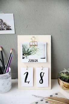 pinterest diy deko diy schreibtisch kalender mit instax fotos selbstgemacht