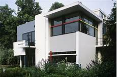 4 homes using concrete as a stylish timeline of 20th century modern architecture