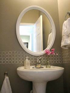 free modern painted wall border great for a bathroom diy
