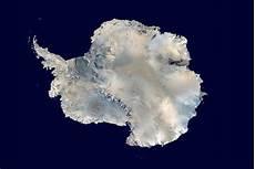 10 fun facts about antarctica antarctic ice shelf coldest place earth antarctica
