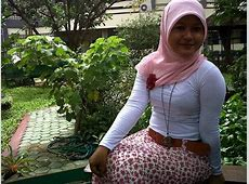 Cewek Berjilbab Berkaos Ketat Banget   Hijab Style