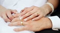bride and groom hands and wedding rings wallpapers13 com