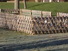 cloture treillis bois clotures en rondins de bois