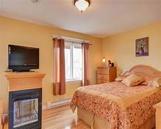 light orenge color bedroom orange bedroom walls burnt orange orange bedroom decorating ideas