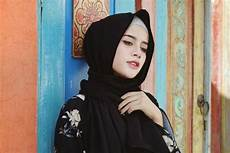 2 Gaya Jilbab Instan Tanpa Pentul Untuk Acara Semi Formal
