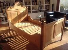 betten landhausstil antik bett altes bauernbett 100x190 antik holzbett vollholz